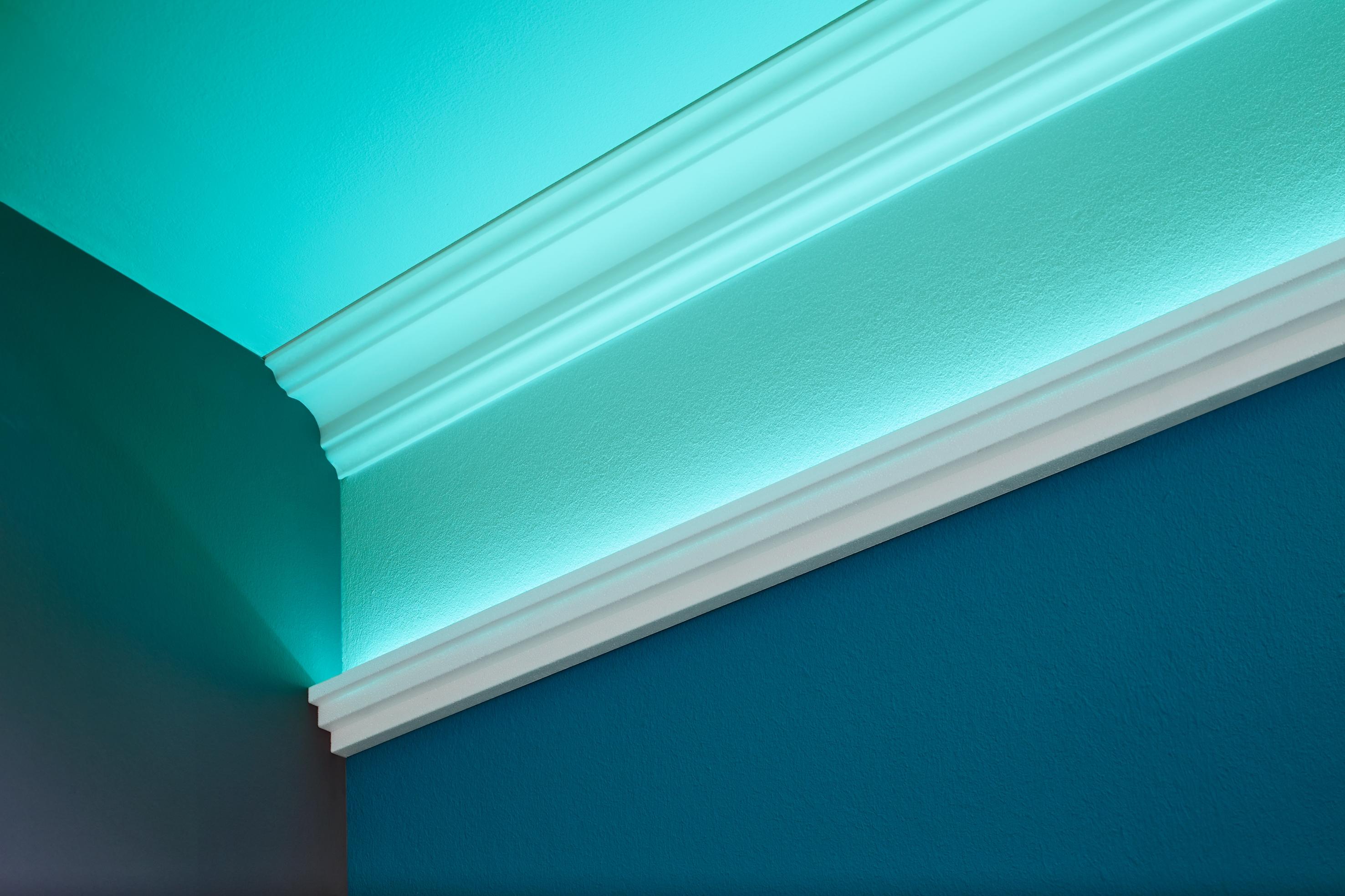 decosa lichtleiste kristine f r die indirekte beleuchtung. Black Bedroom Furniture Sets. Home Design Ideas